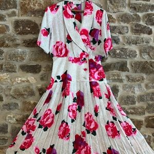 Gillian : Red Rose Dress w/ belt